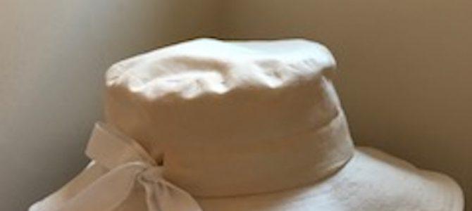 平ブリムの帽子